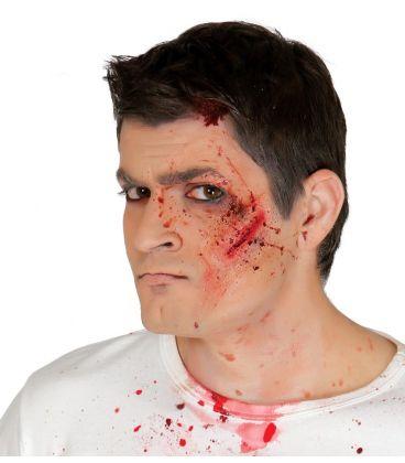 cicatrice adesiva con sangue